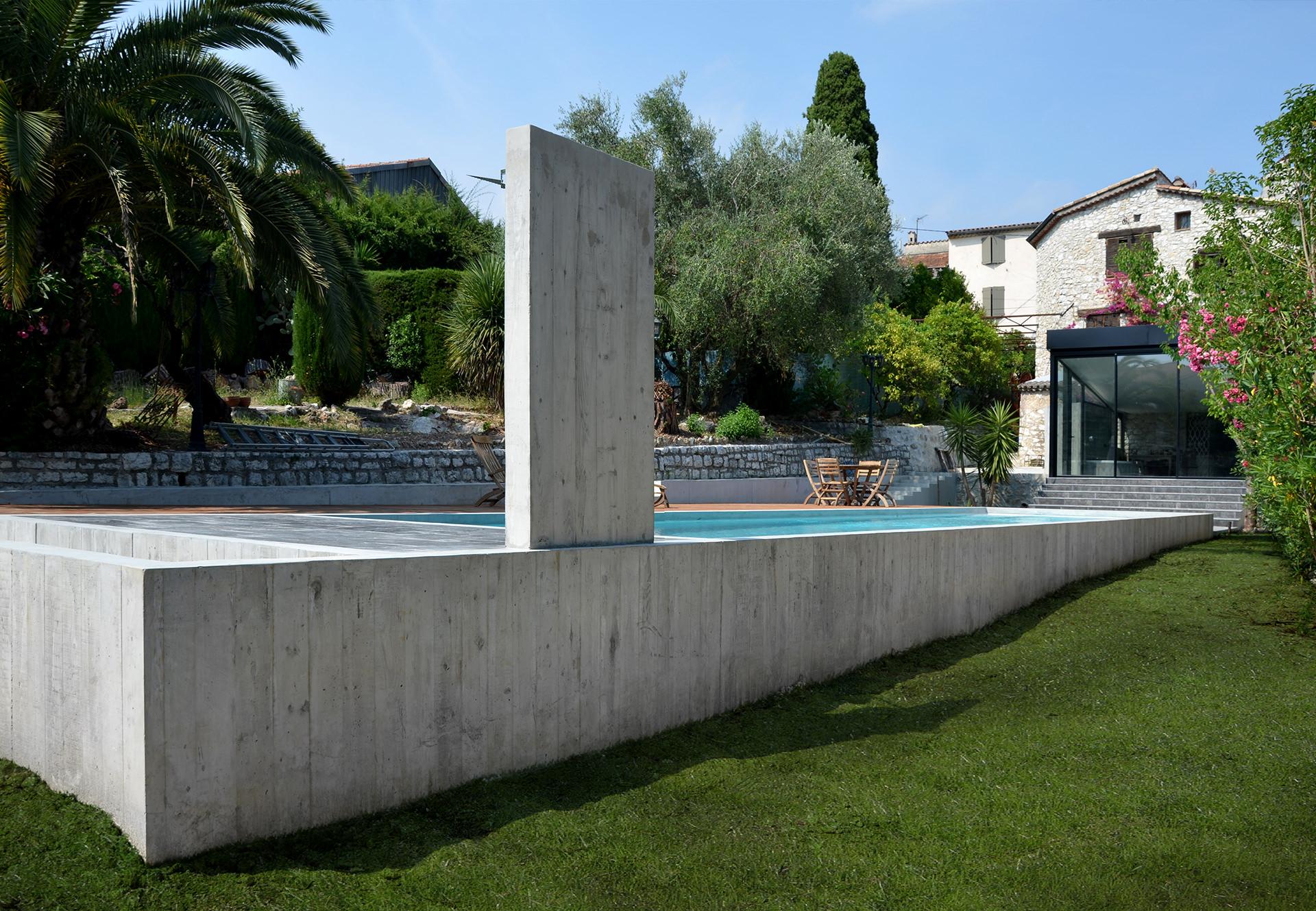 Architecte piscine et extension la colle sur loup en r gion paca - Piscine pente terrain nice ...